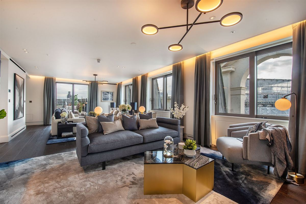 MAGNIFICENT FOUR BEDROOM PENTHOUSE APARTMENT | United ...