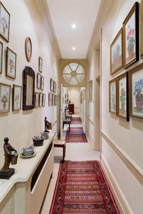 Mansions beautiful third floor apartment