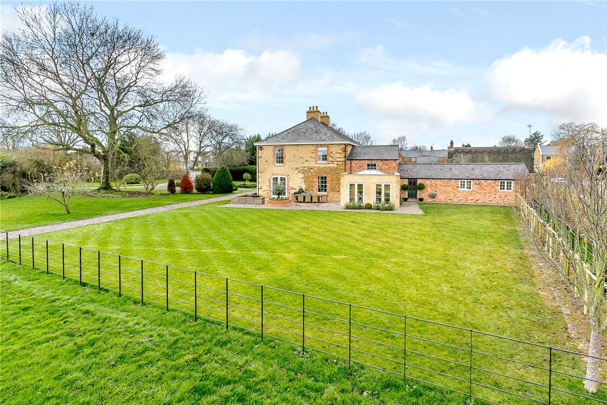 Barnsdale House luxury properties