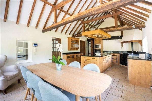 Shuckers Farm House luxury homes