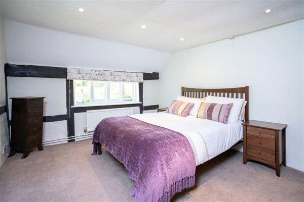 Shuckers Farm House luxury properties