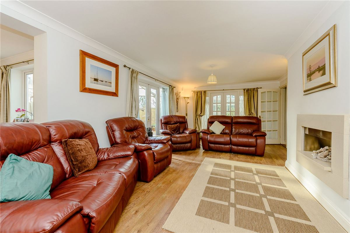 spacious and welcoming home in Chipstead luxury real estate