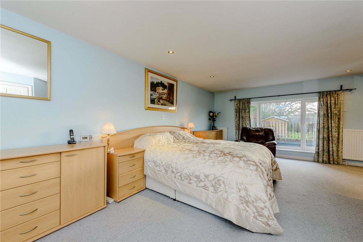 Luxury properties spacious and welcoming home in Chipstead