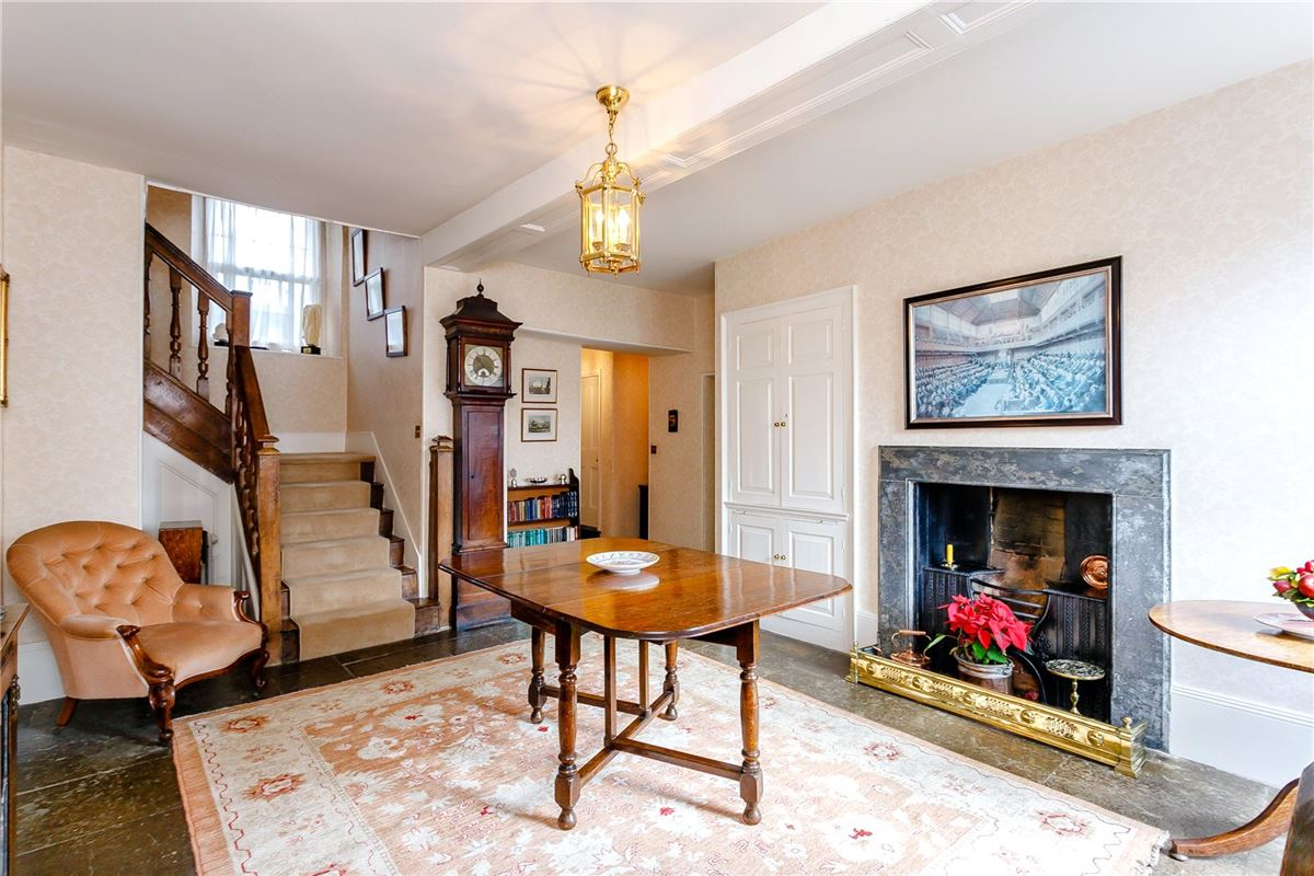 Luxury real estate Beautiful Grade II Listed house overlooking the Green