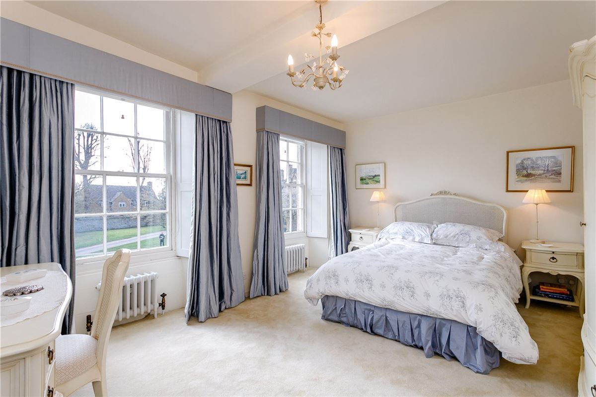 Mansions in Beautiful Grade II Listed house overlooking the Green