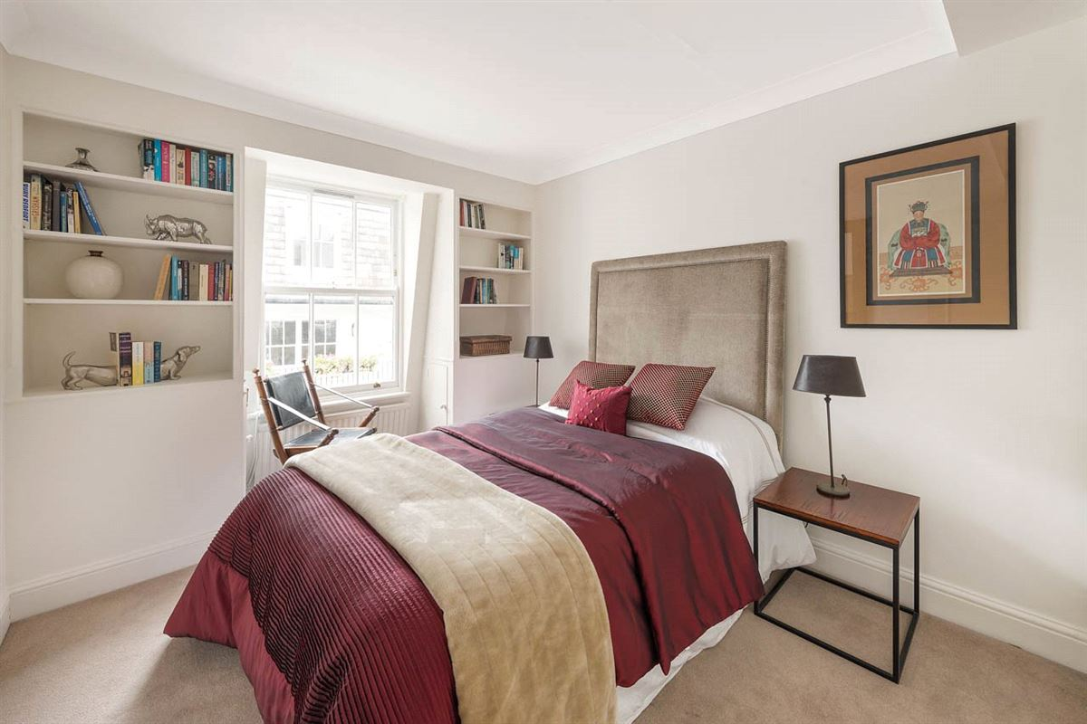 Luxury homes Canning Place four bedroom townhouse