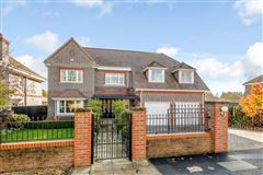 Immaculately presented family house luxury real estate