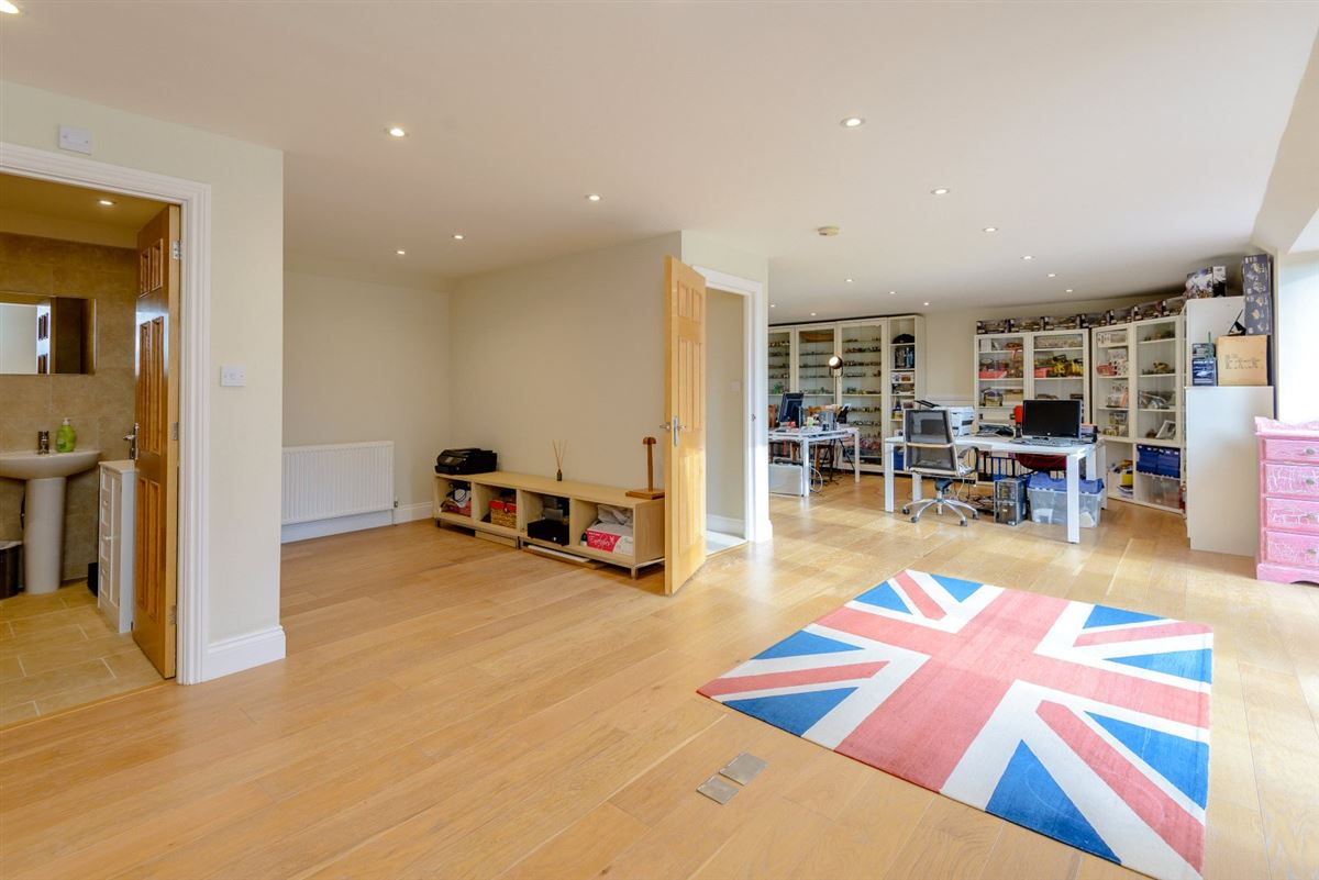 Immaculately presented family house luxury homes