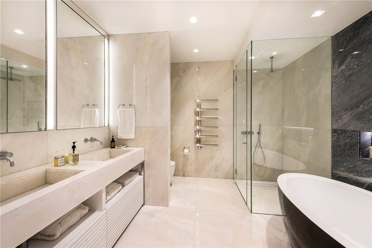 Luxury properties first class home in Knightsbridge