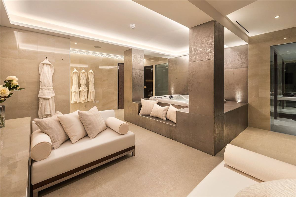 first class home in Knightsbridge luxury properties
