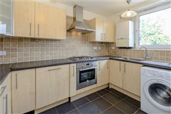 spacious and bright flat boasts far reaching views luxury homes