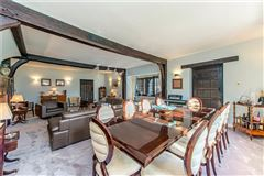 Luxury homes in Fulmer Chase