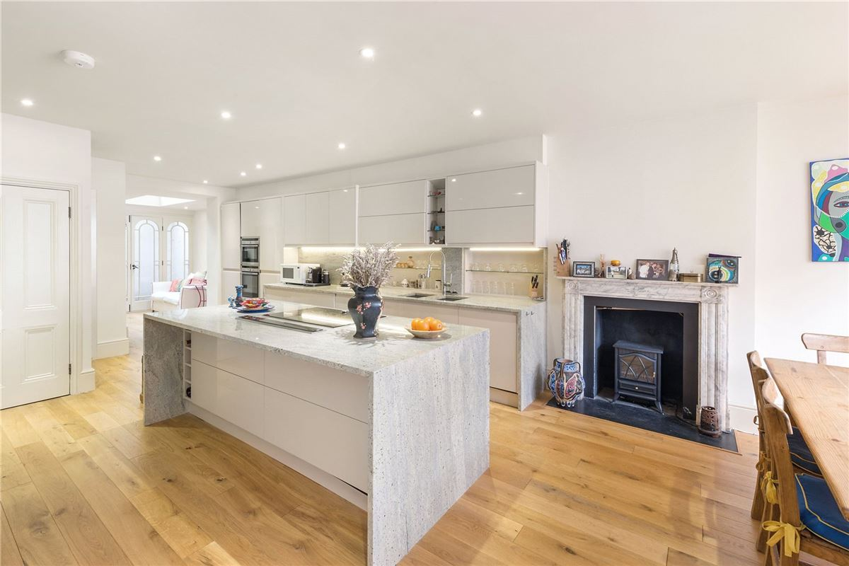 Luxury homes a superb residence in highly sought after location