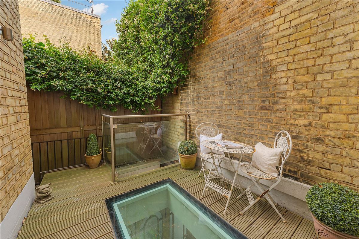 a superb residence in highly sought after location luxury properties