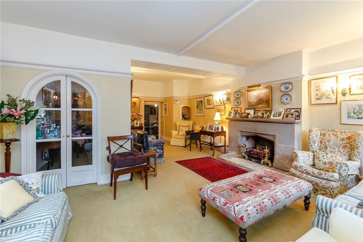 Luxury homes in Grayshott House