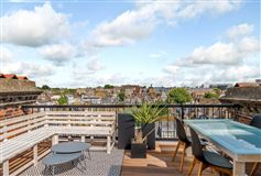 Mansions in beautiful upper maisonette with excellent views