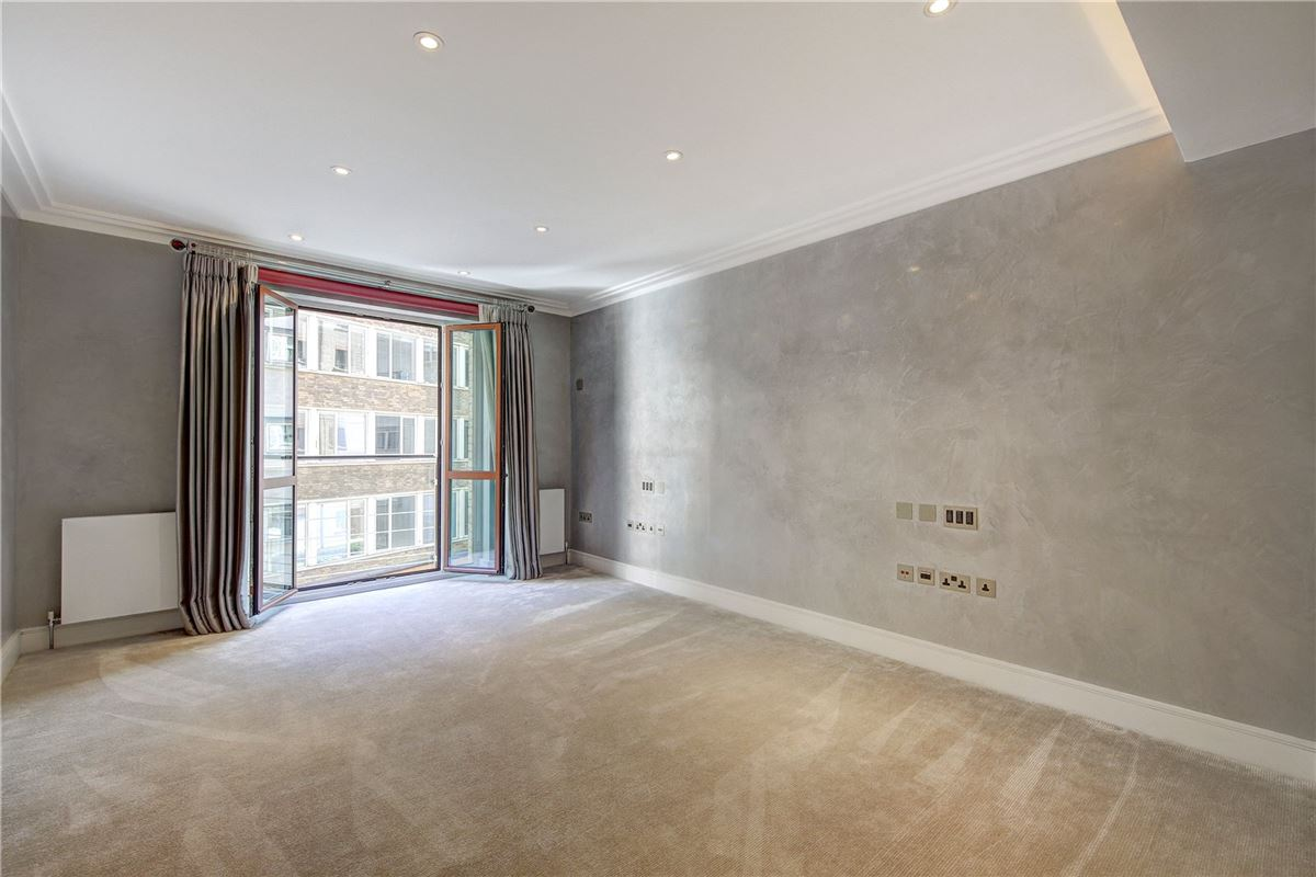 Luxury real estate  two bedroom apartment in london