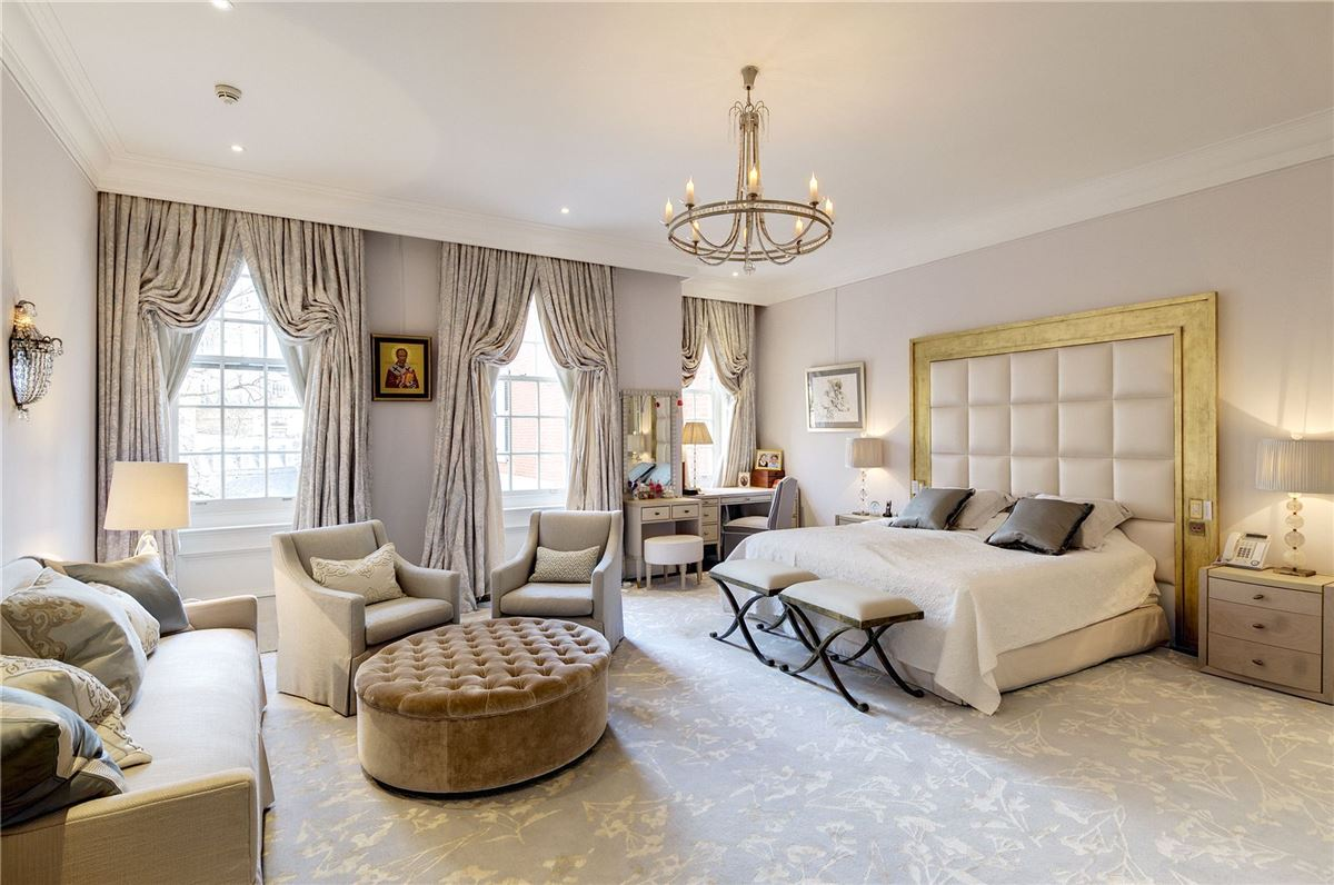 Luxury real estate a grand period townhouse in belgravia