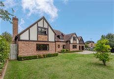 Luxury properties Immaculately presented in a delightful village