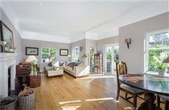 spacious home on the edge of Wonersh luxury homes