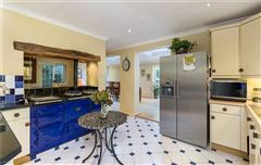 spacious home on the edge of Wonersh mansions