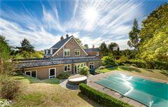 Luxury homes spacious home on the edge of Wonersh