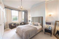Luxury homes in four bedroom raised ground floor flat