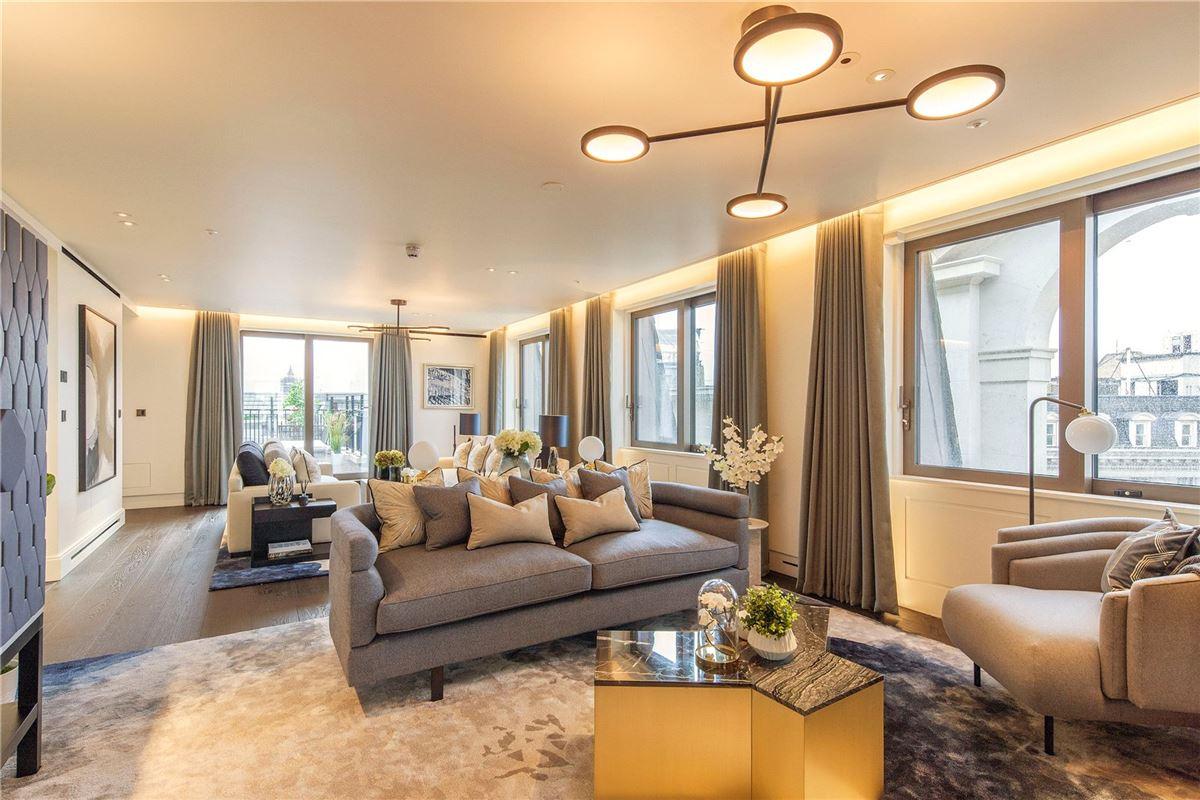 enjoy luxurious living in London luxury homes