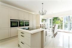 comprehensively refurbished family house luxury properties