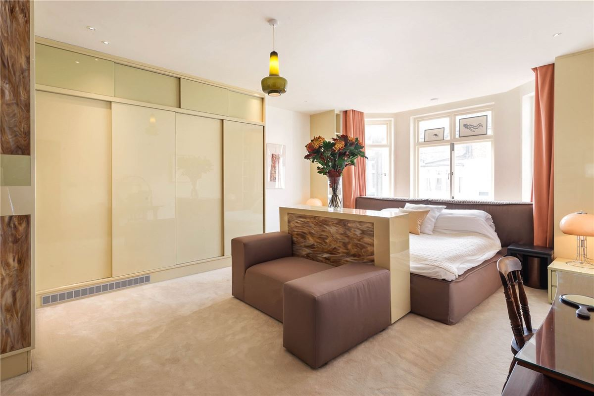 flat with amazing space luxury properties