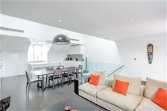 Mansions top floor maisonette with a fantastic roof terrace