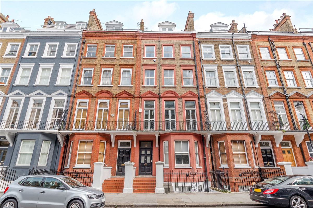 Luxury real estate top floor maisonette with a fantastic roof terrace