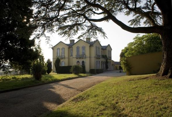 Luxury homes in Rumwell Park