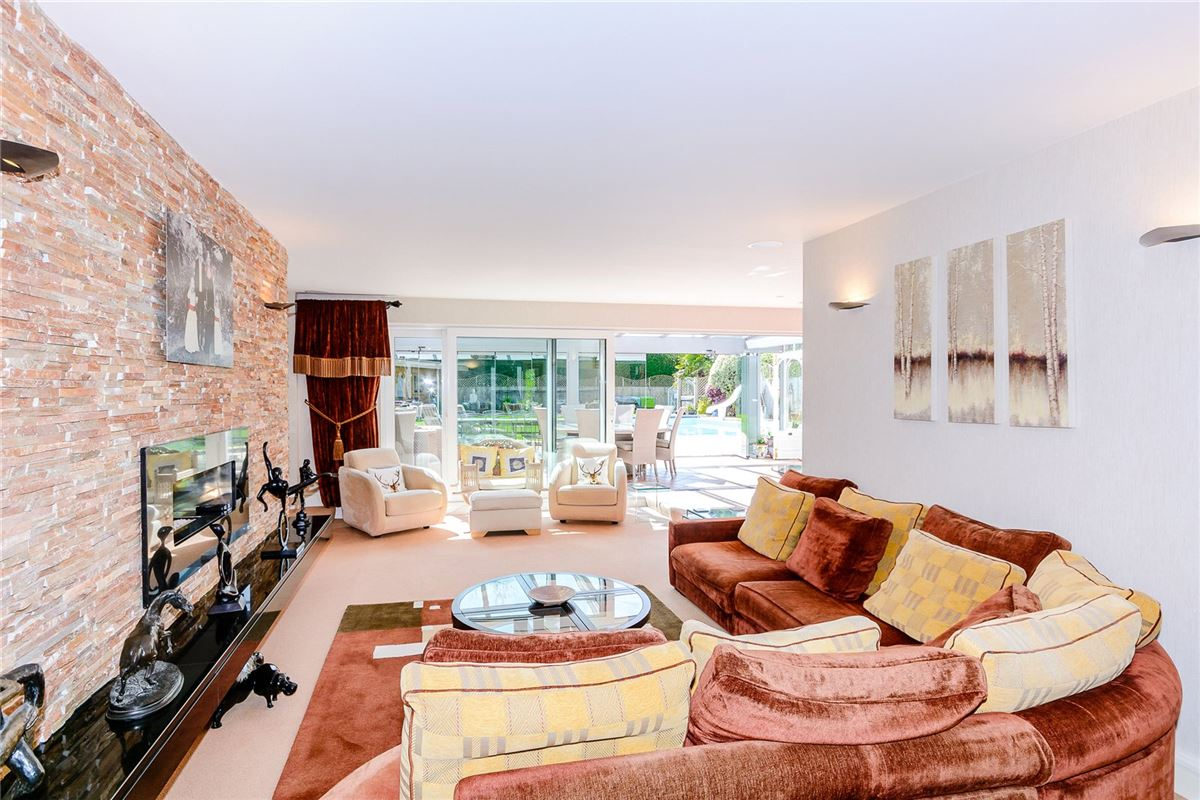 Luxury properties A stunning and contemporary home in radlett