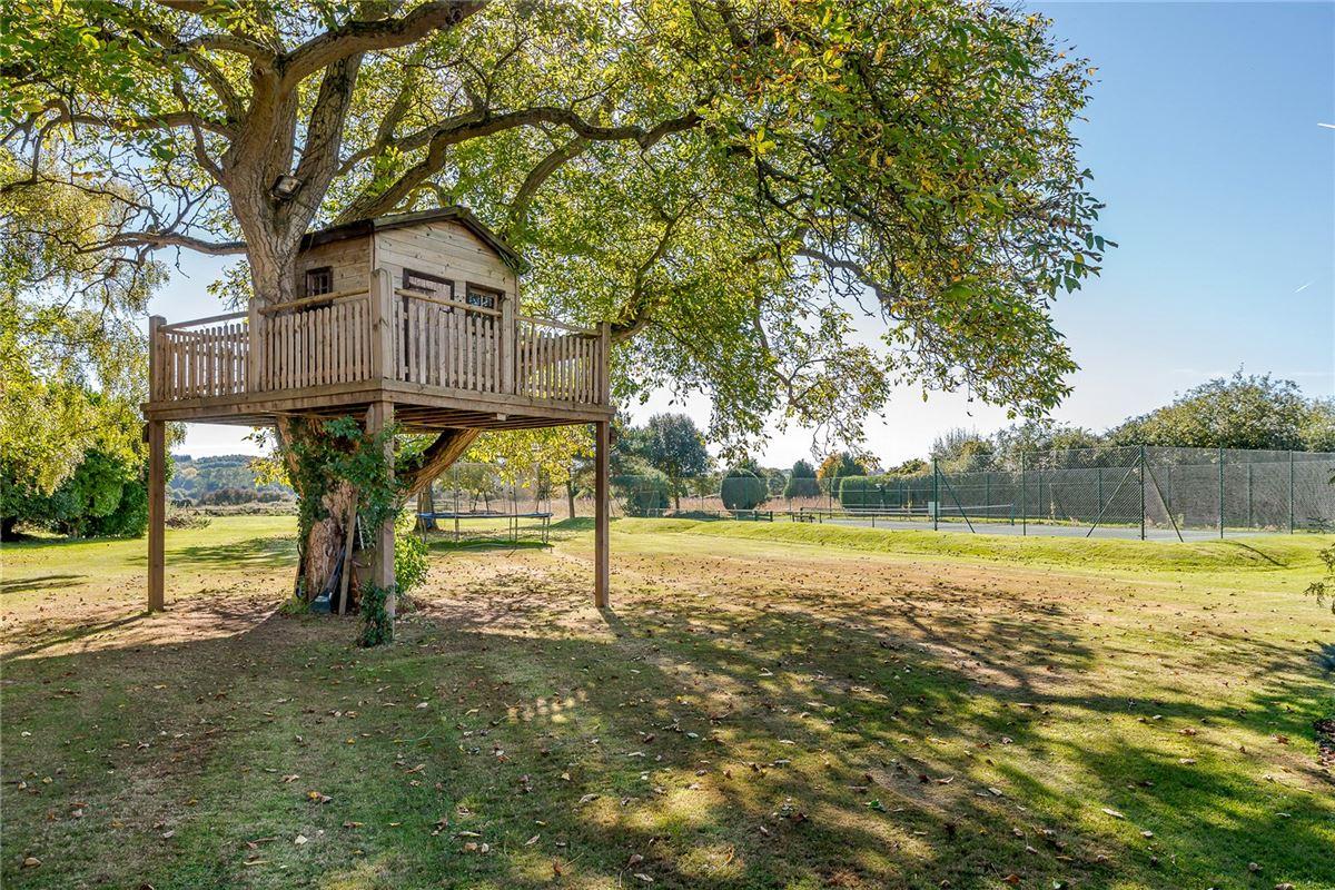 Mansions in Green Farm
