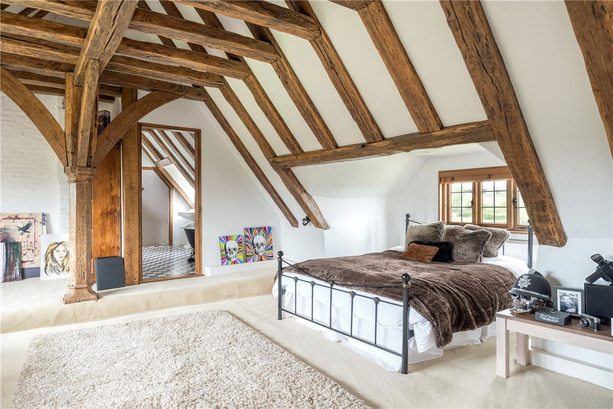 Charm, style and atmosphere in ashford luxury properties