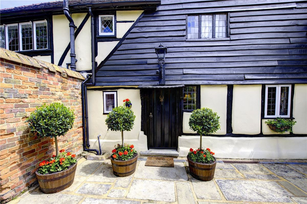 Luxury real estate Old Clack Farm in harefield