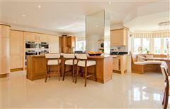 Luxury real estate Lakeside Manor