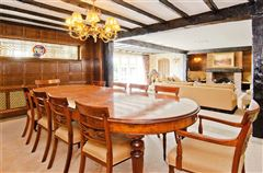 Luxury properties Lakeside Manor