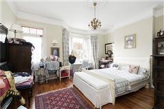 Mansions wonderful home on prestigious street
