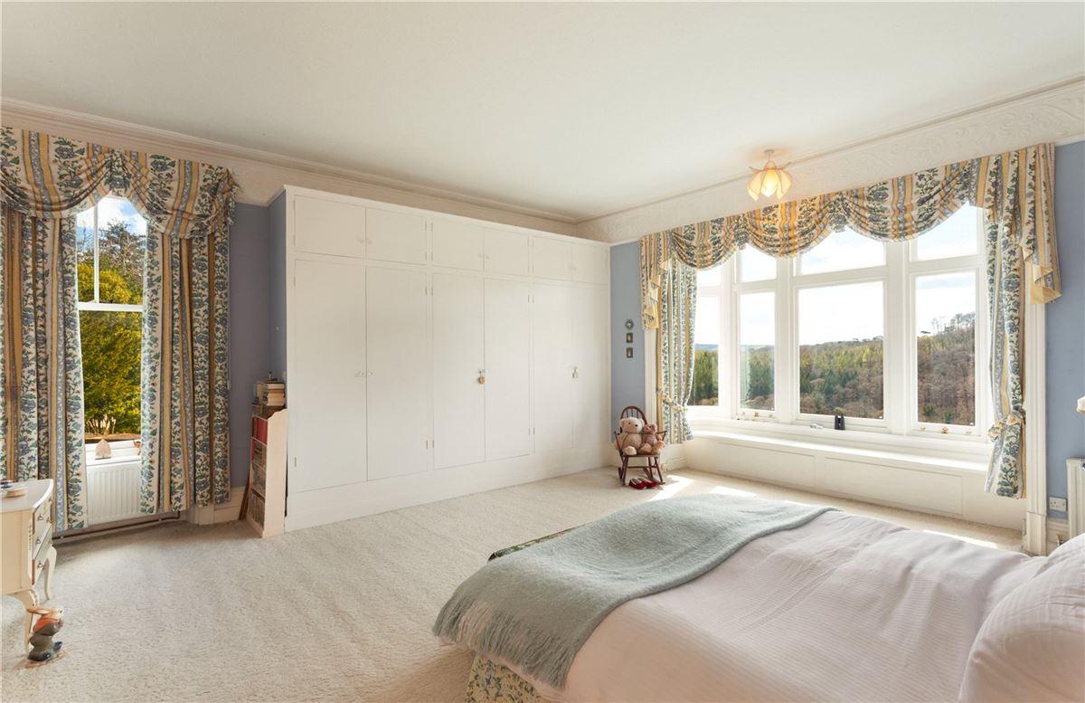 Luxury homes in Wonham House