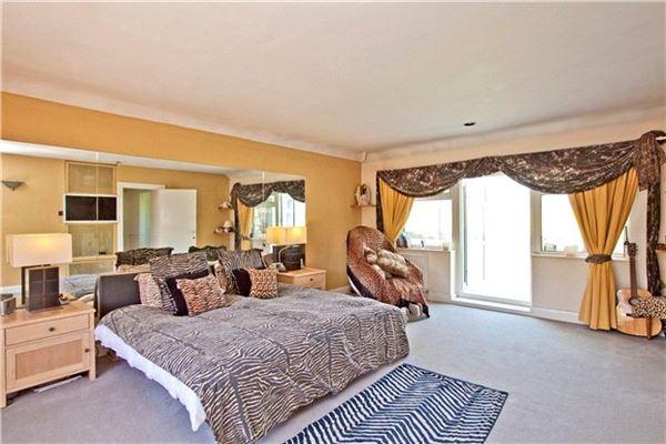Luxury real estate Fairfolds