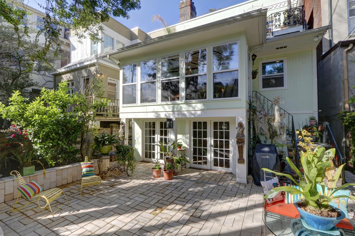 Jones Street Townhome luxury properties