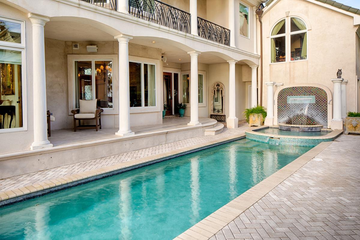 Mansions Deep Water Jewel
