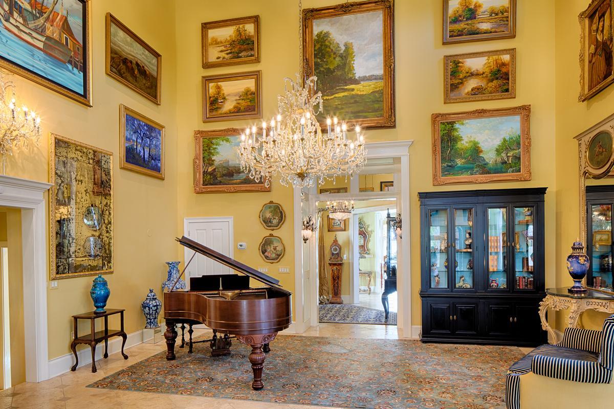 Deep Water Jewel luxury properties