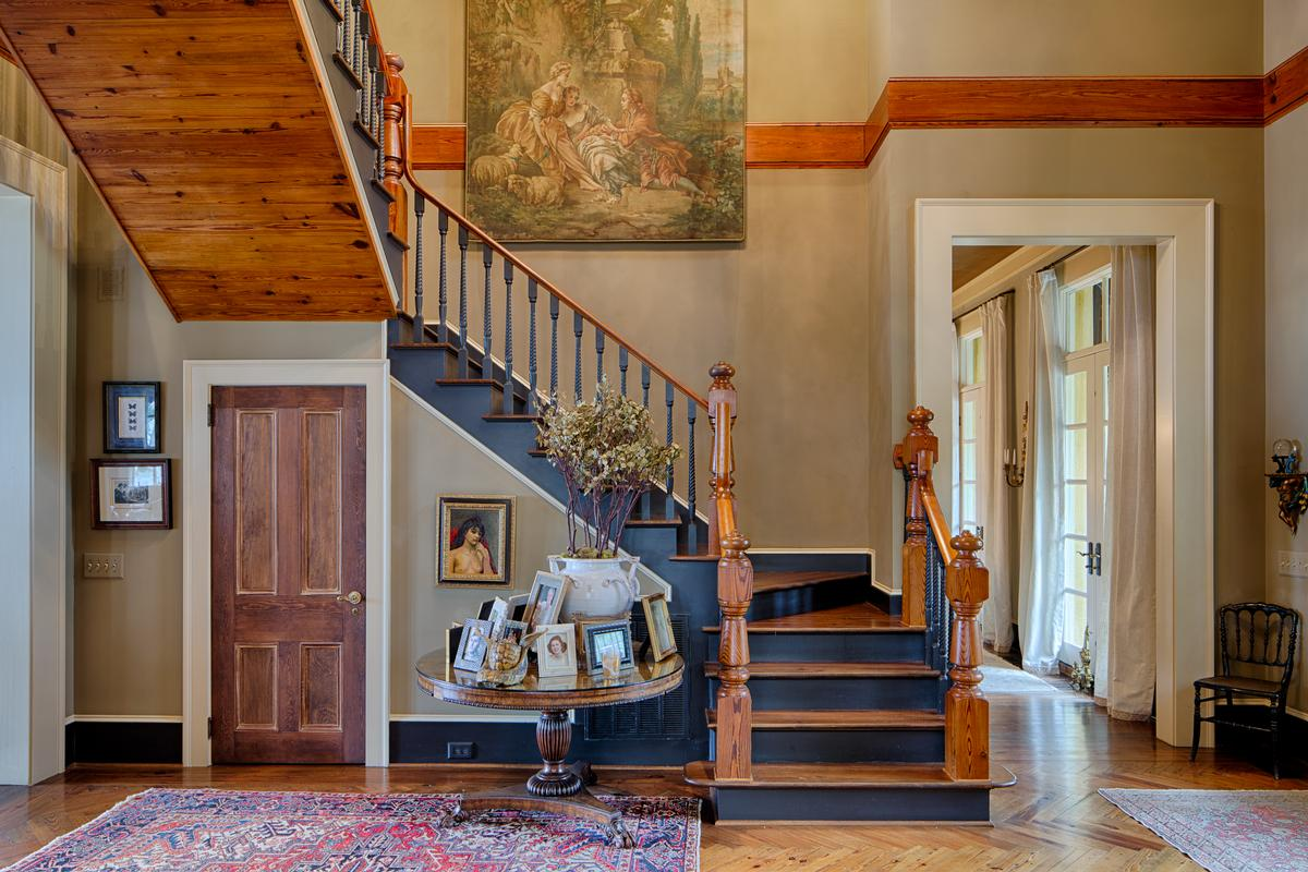 Tuscan Style Deepwater Home luxury properties