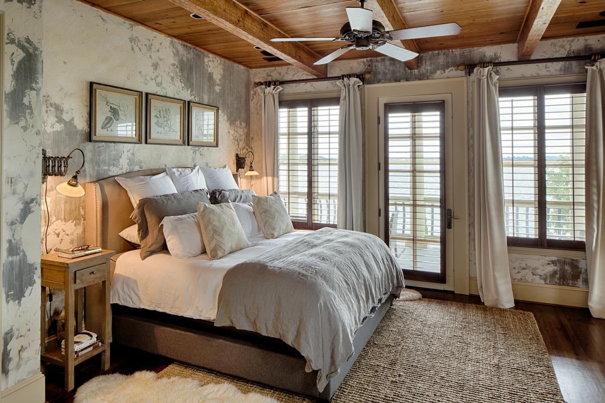 Luxury homes in Tuscan Style Deepwater Home