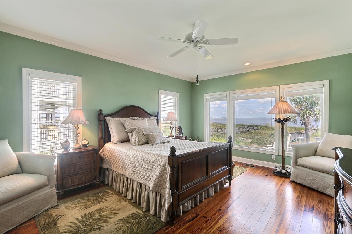 Luxury real estate Harbor Island