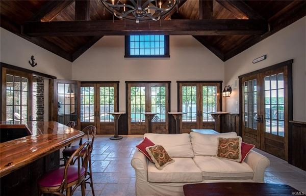 Gem On The Lake New York Luxury Homes Mansions For Sale Luxury