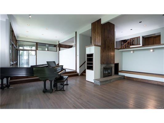 stunning Charles Winter designed Contemporary luxury homes